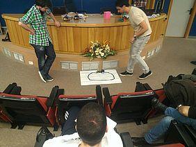 Demostración de los POP-BOT por parte de los ponentes