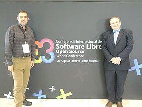 Daniel Martínez Batanero, Director General de Telecomunicaciones y NNTT de la Consejería de Fomento de la JCCM, apoyando al Centro en la Conferencia Internacional del Software Libre en Granada